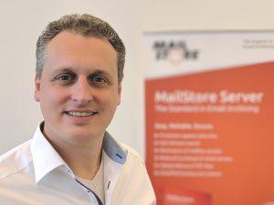 Björn Meyn vor MailStore Server Roll-Up