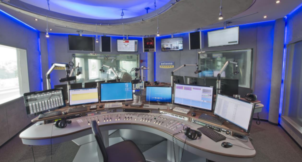case-study-antenne-bayern-broadcasting-studio