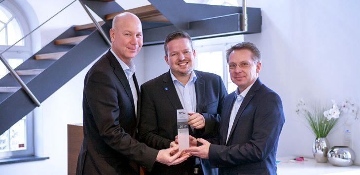 Handing over VAD 2017 trophy